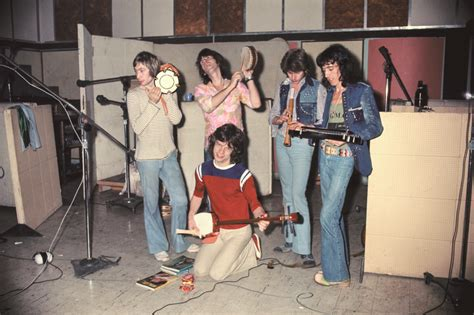 The Rolling Stones (Kingston, 1972) | See Pics of Beatles
