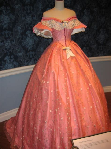 Mary Todd Lincoln's Dress | Abraham Lincoln Presidential