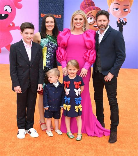 How Many Kids Does Kelly Clarkson Have?   POPSUGAR