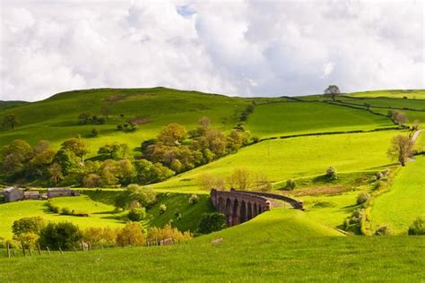 Yorkshire Dales National Park on AboutBritain