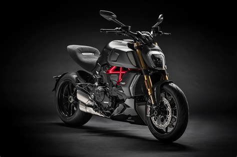 2019 Ducati Diavel 1260 First Look - Motorcycle